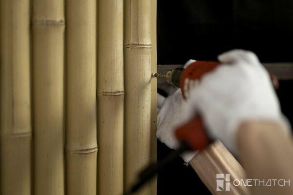 Pemasangan Kelongsong Dinding Bambu Faux - ONETHATCH